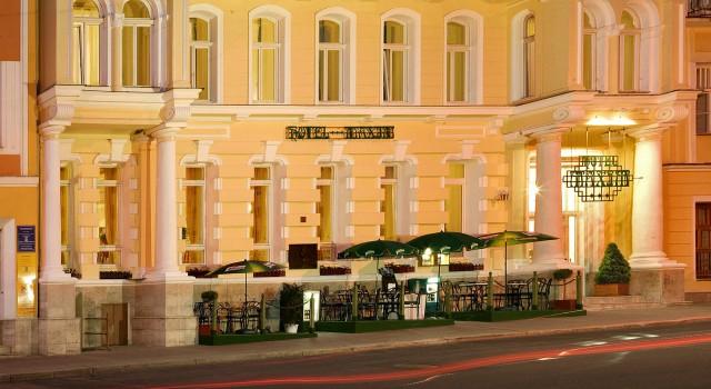 Kavárna Hotel Maxim